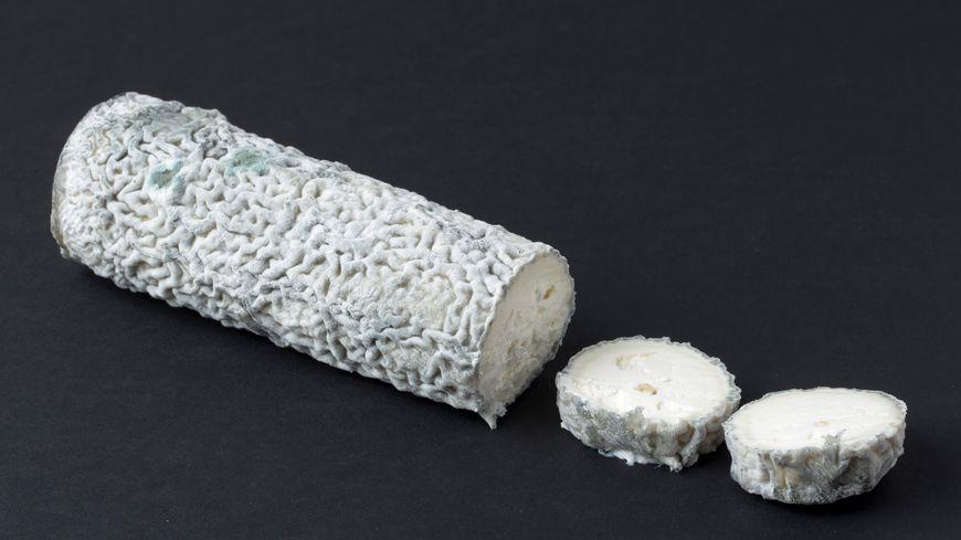 Du fromage Sainte-maure-de-Touraine produit dans l'Indre est rappelé des grandes surfaces, en raison de suspicion de contamination à la bactérie Escherichia Coli.
