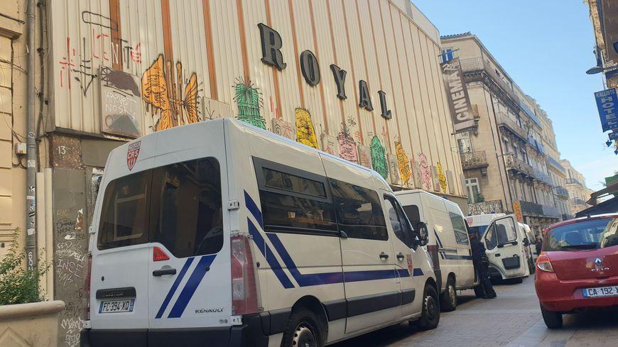 Douze squatteurs ont été évacués de l'ancien cinéma Le Royal.
