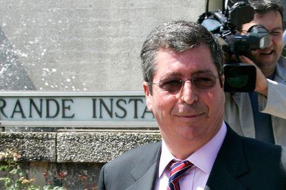 Patrick Balkany, le 11 juillet 2005 au tribunal correctionnel de Créteil. Il comparait dans un dossier phare des dérives du financement politique du RPR, l'affaire des HLM des Hauts-de-Seine