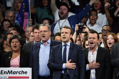Emmanuel Macron en campagne à Paris, en décembre 2016.
