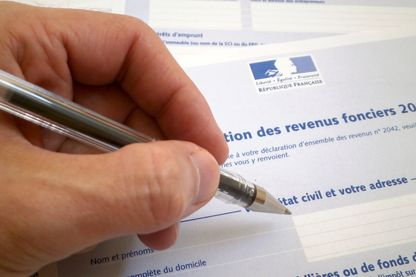 Que proposent les différents partis pour la question des impôts ?