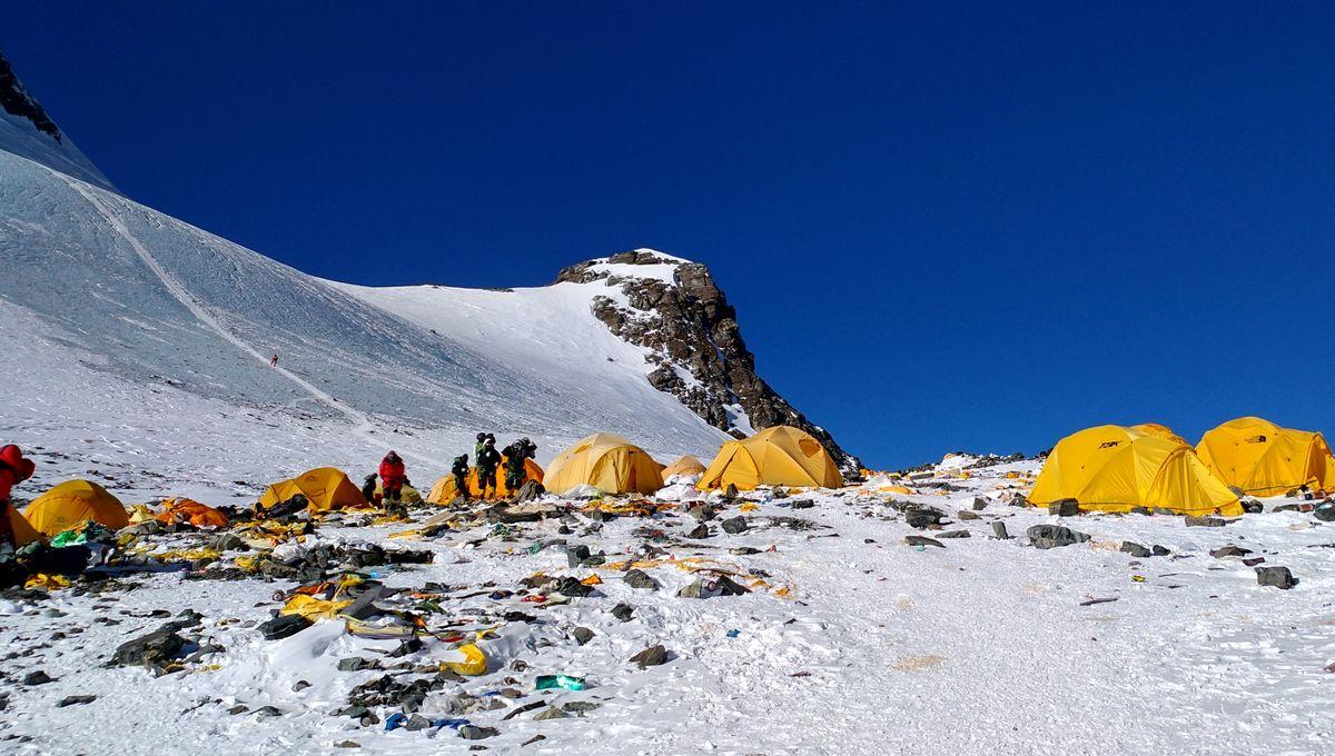 Everest : trois morts supplémentaires sur les sommets embouteillés