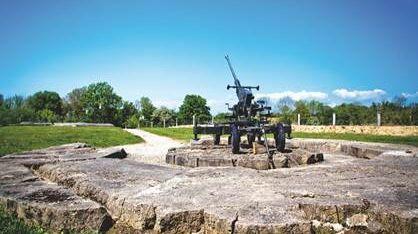 Un canon Bofors sur l'une des positions de la Flak de la batterie de Crisbecq