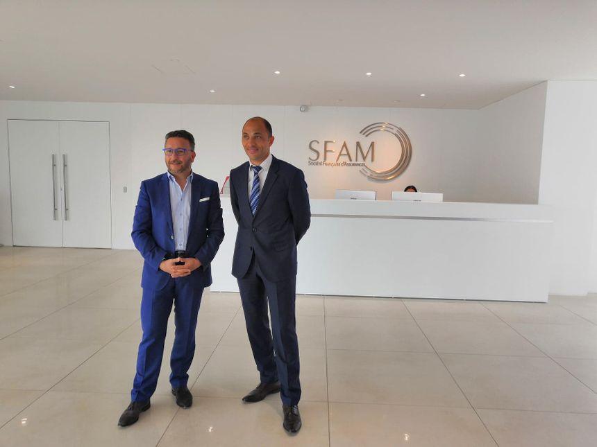 Le maire de Roanne, Yves Nicolin (gauche) et le PDG de la SFAM, Sadri Fegaier (droite)