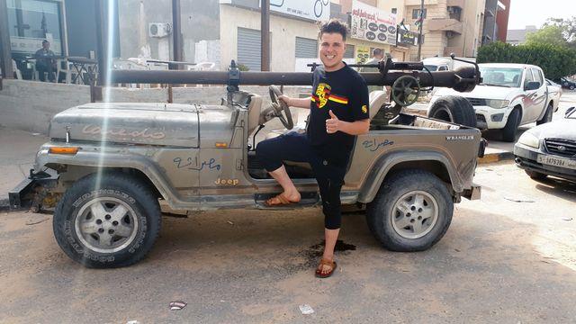 Un combattant anti-Haftar à proximité de la ligne de front, dans les quartiers sud de Tripoli (Libye). 4 mai 2019.