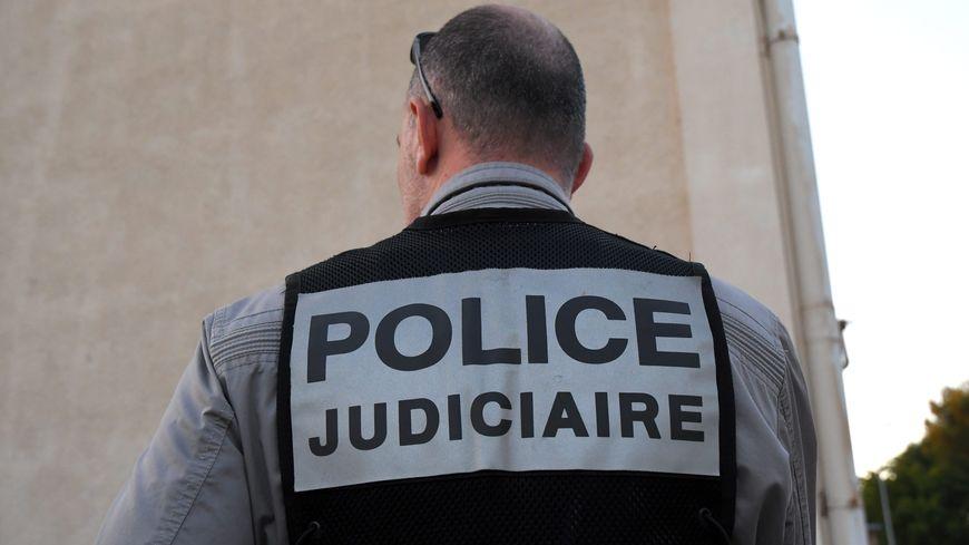 La police judiciaire de Lille est chargée de l'enquête. Un des hommes de main présumés de l'ex-conjoint de la victime est en garde à vue.