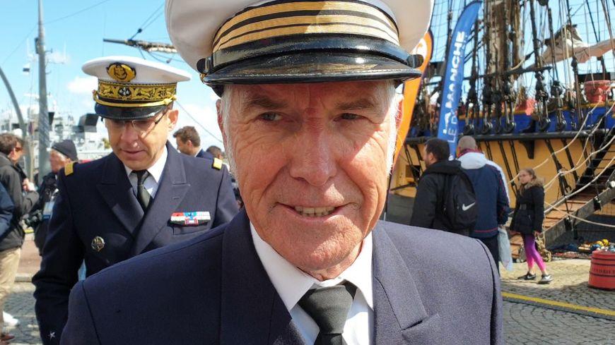 Yann Cariou, commandant de L'Hermione, lors de l'escale à Cherbourg.