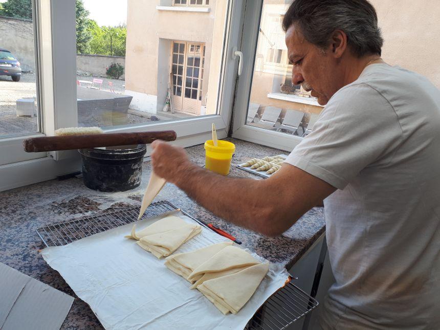 Michel Collet est boulanger depuis 40 ans.