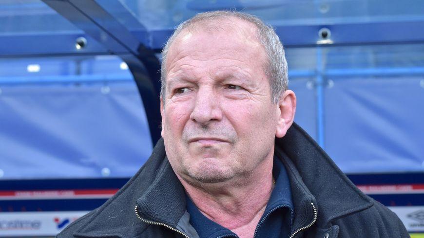 Rolland Courbis est intervenu auprès du SM Caen et de Fabien Mercadal pendant quatorze matchs de Ligue 1
