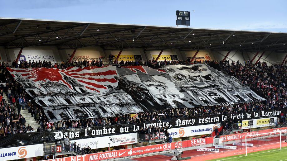 Les supporters de l'ASNL au stade Picot.