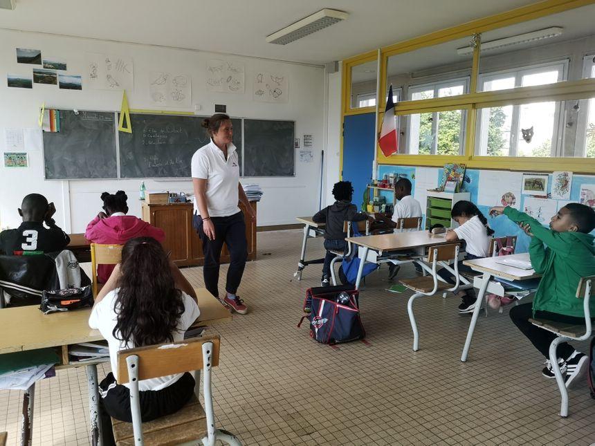 Une des deux classes du Cours Colibri, ce mercredi.