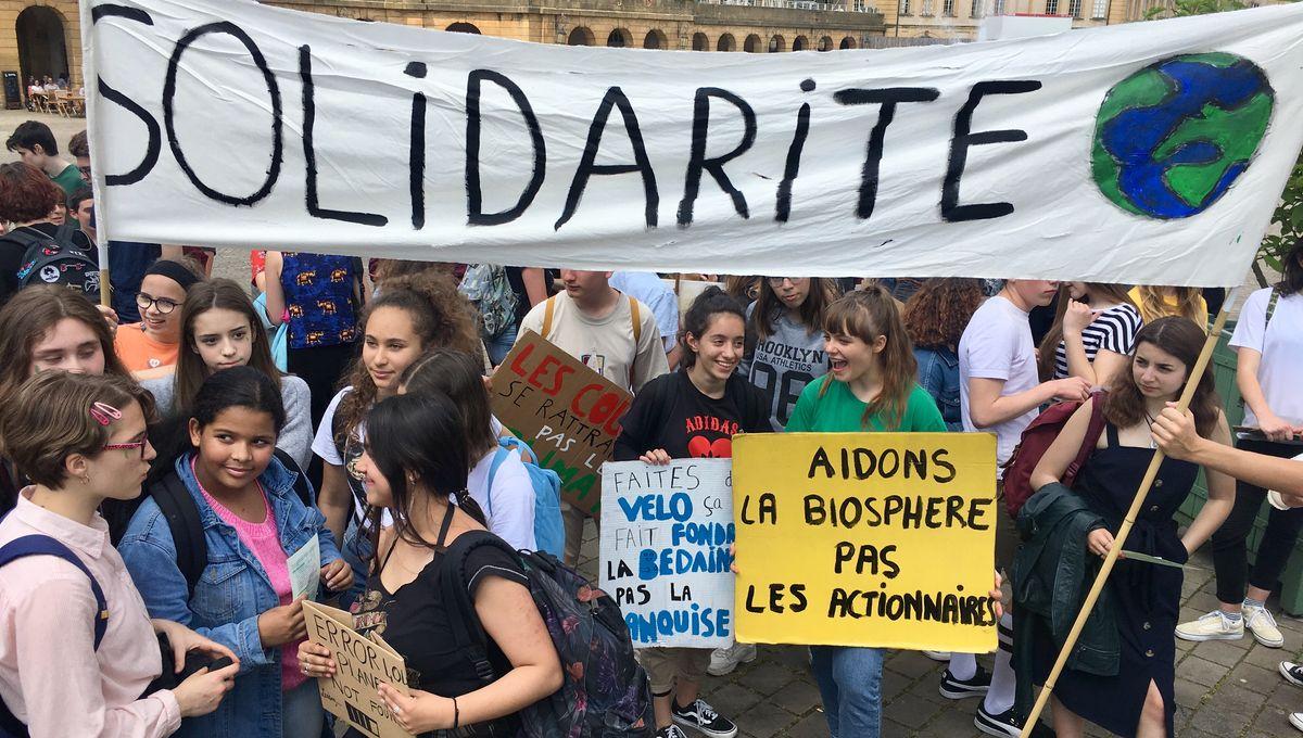 A Metz, une centaine de jeunes marchent pour le climat