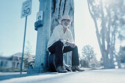"""""""Stay Around"""", l'album posthume de J.J. Cale, a paru sur le label Because"""