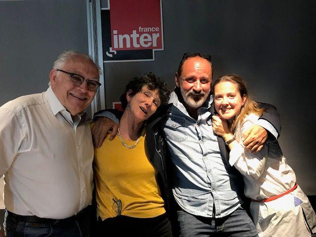 Vous Les Femmes, de g. à d. : Albert Algoud, Isabelle Autissier, Daniel Morin, Charline Vanhoenacker