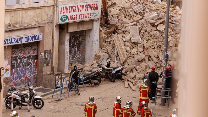 Les décombres des immeubles effondrés rue d'Aubagne, à Marseille
