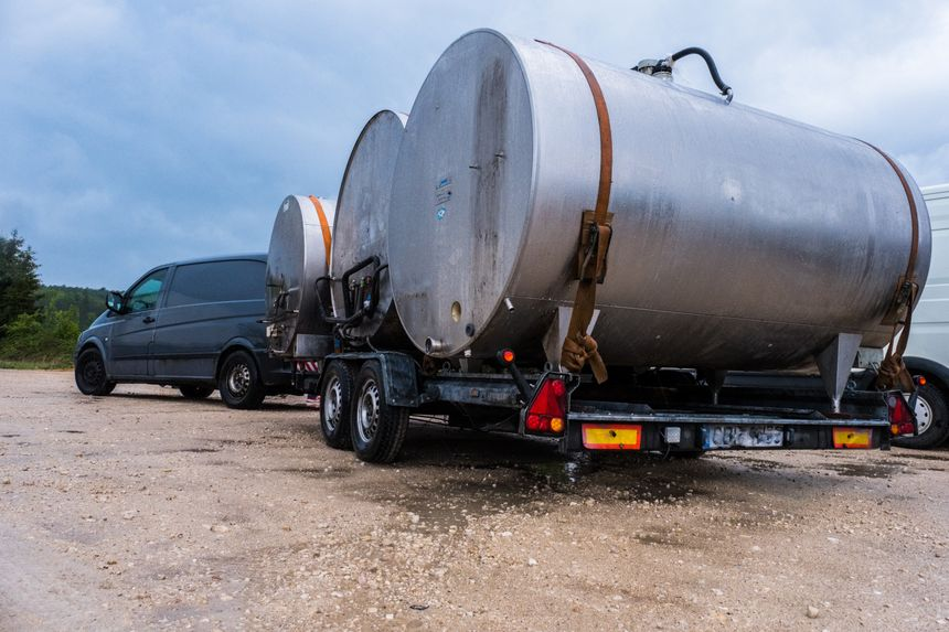 Un camionnette de moins de 3,5 Tonnes immatriculée en Pologne et en surcharge