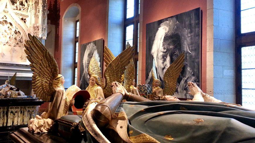 Les toiles de l'artiste Yan Pei-Ming côtoient les œuvres du musée des Beaux Arts de Dijon