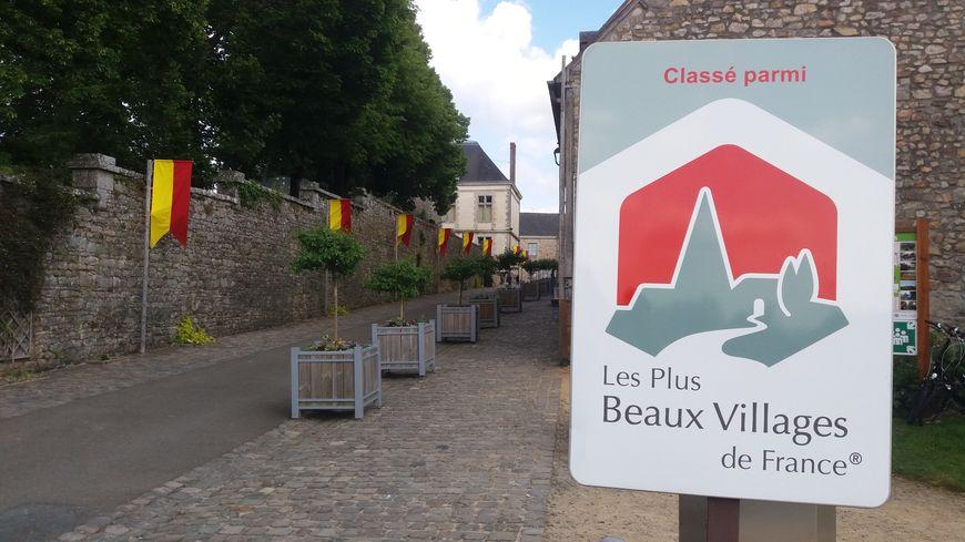 Le village de Sainte-Suzanne (Mayenne) parmi les plus beaux villages de France.