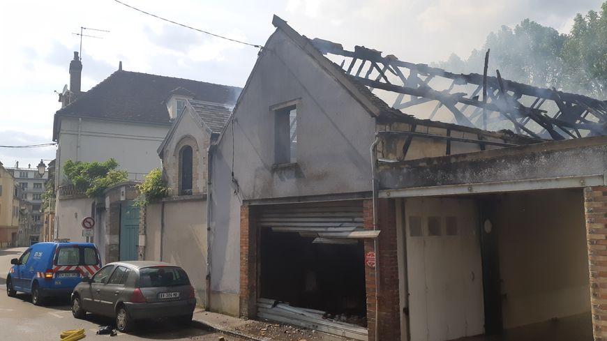 Le garage appartenant à l'hotel de Paris a été entièrement détruit