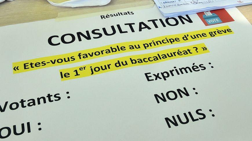 Consultation organisée auprès des personnels du lycée Stéphane Hessel, le 23 mai 2019 à Toulouse