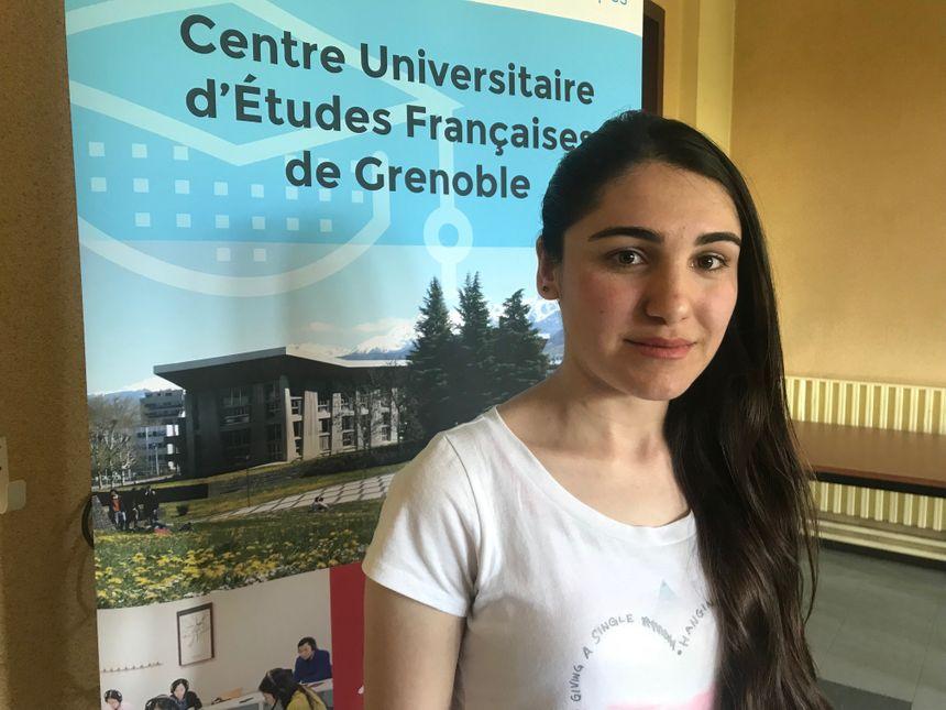 Shireen, jeune irakienne de 22 ans, a fui l'Irak à l'automne 2017.
