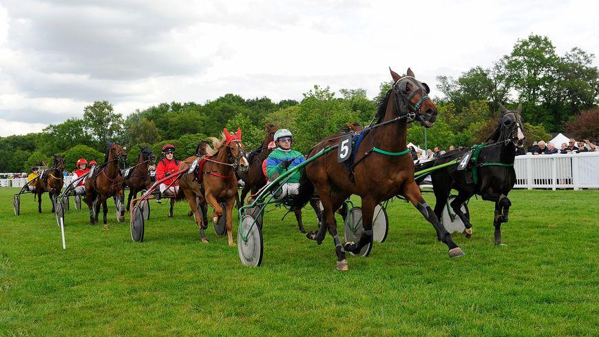 Hippodrome de Chambray lès Tours courses de trot