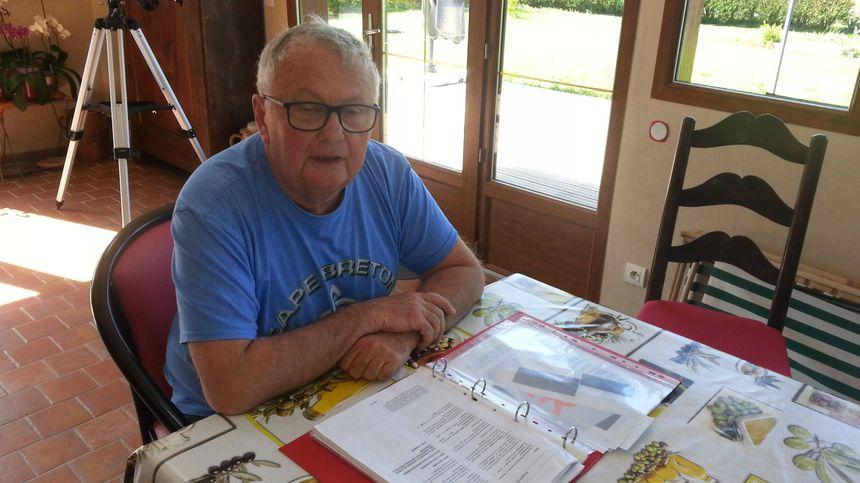 Daniel Brandého, un habitant de Senneçay, demande au maire de renoncer au contrat signé avec une société pour implanter des éoliennes sur la commune.