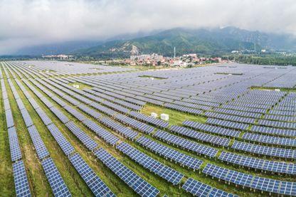 Des panneaux solaires installés en Chine