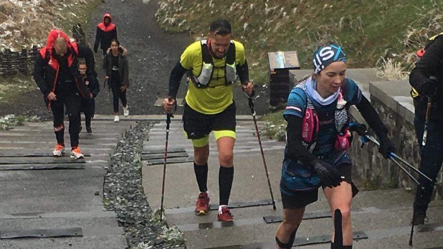 Aurélie et Thomas en pleine ascension du Puy de Dôme Auteur
