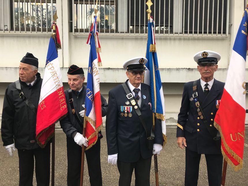 Les portes drapeaux de la police nationale ont été salués par l'ensemble des personnalités présentes.