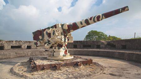 Un canon de type Chacal sur la batterie de Crisbecq