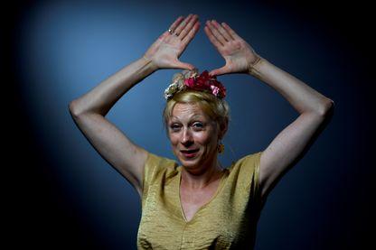 Portrait de Phia Ménard, jongleuse, performeuse et metteuse en scène à Paris le 9 juillet 2018.