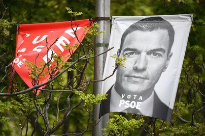 Les socialistes du chef du gouvernement espagnol Pedro Sanchez ont remporté une large victoire dimanche