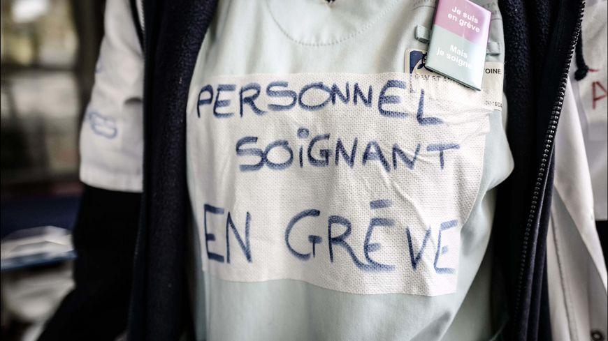 """Résultat de recherche d'images pour """"CHU en grève Images"""""""