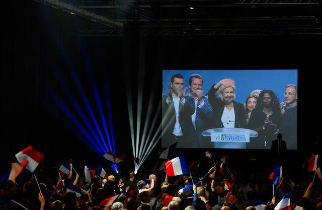 Pour sa part, Marine Le Pen tenait un meeting du Rassemblement National à Metz pour la campagne des élections européennes