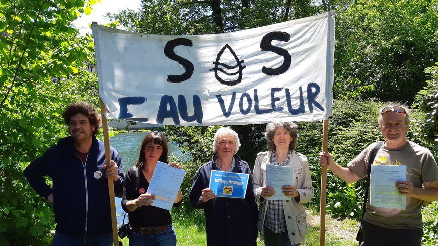 """Le collectif """"Bassines non merci"""" continue la mobilisation"""