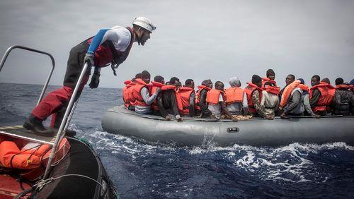 """""""L'Europe laisse-t-elle mourir les migrants en Méditerranée ?"""""""