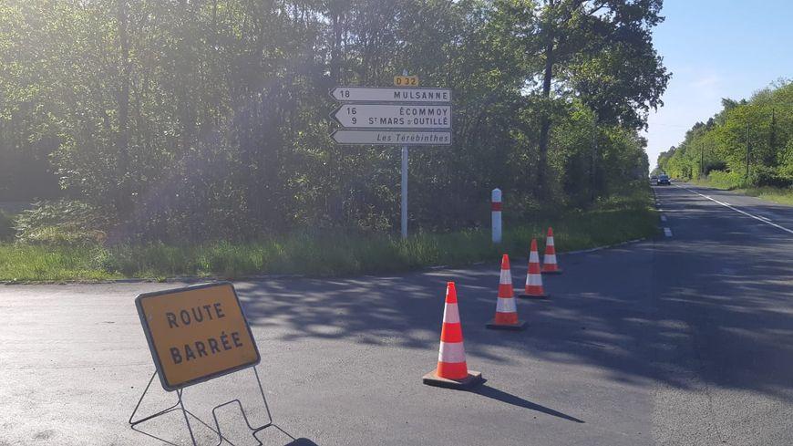 La départementale 32 coupée le 14 mai 2019 en raison d'une série d'incendies au sud du Mans. A Parigné L'Evêque, 38 personnes ont dû être confinées dans la maison de retraite Les Térébinthes