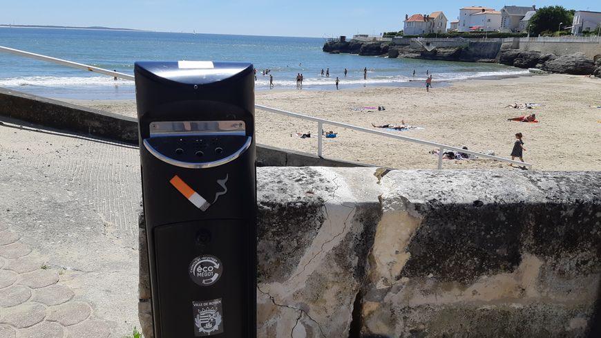 La mairie de Royan a mené une expérimentation pendant 2 ans sur la plage du Pigeonnier, elle a décidé de pérenniser l'interdiction de fumer en juillet et août sur cette plage