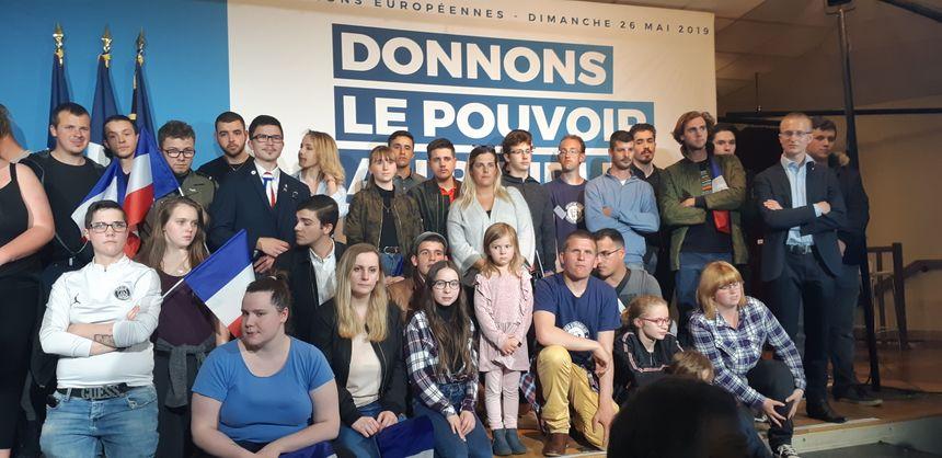 Les jeunes militants de Génération Nation étaient présents à ce meeting de Villeblevin