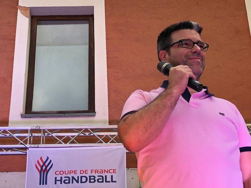 Erik Mathé, le coach, acclamé par le public
