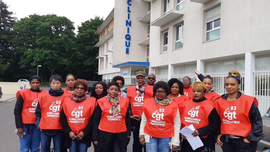 Les salariés de la clinique Clinalliance en grève à Pierrefitte-sur-Seine le 30 mai 2019