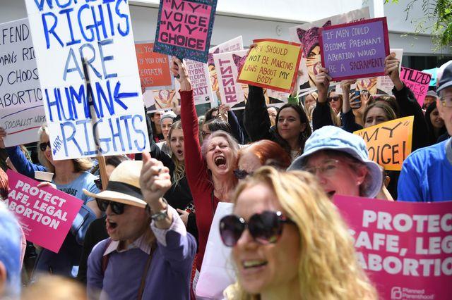 En Californie, manifestation pro choix à West Hollywood