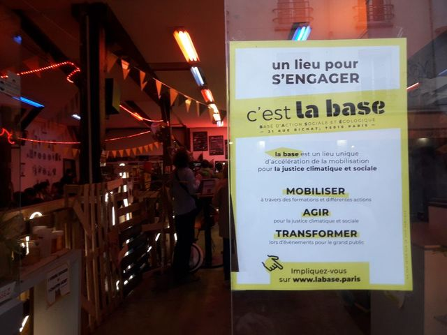 La base, Paris 10e.