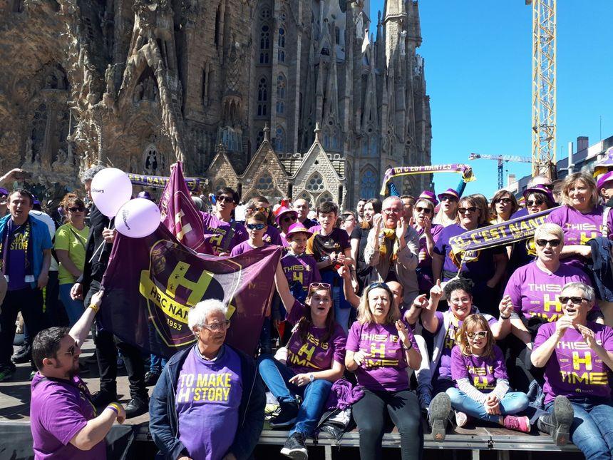 Les supporters du H devant la Sagrada Familia