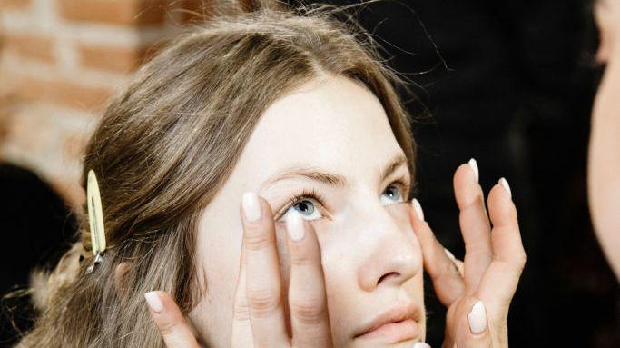 La réflexologie faciale pour apaiser les douleurs