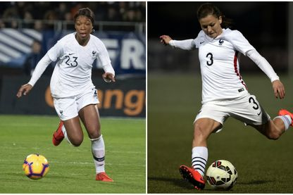 Grace Geyoro et Laure Boulleau, avec le maillot de l'équipe de France de football.