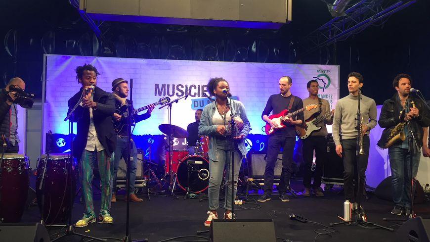 Le groupe Monkuti jouera aux Solidays grâce à sa prestation à la station Miromesnil