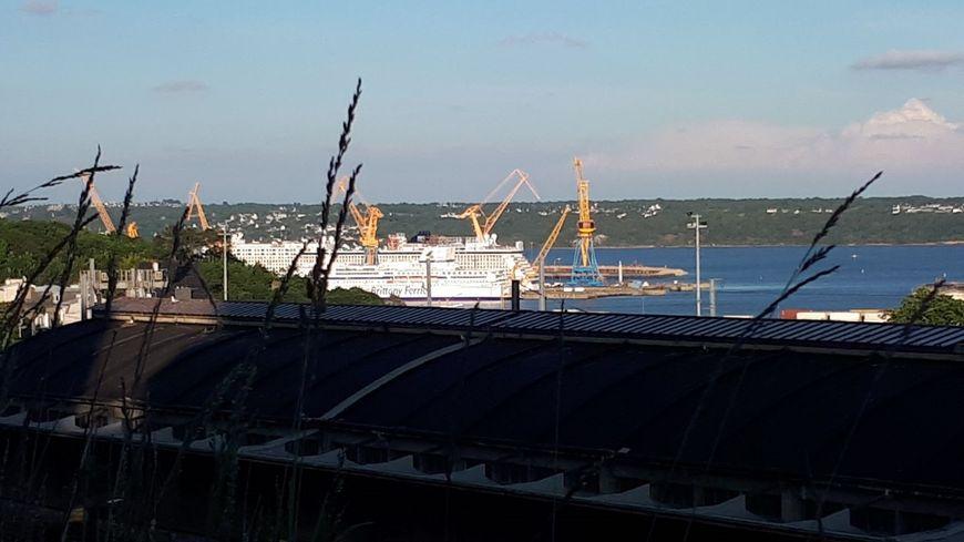 Brittany Ferries Le Pont Aven Reste En Reparation A Brest