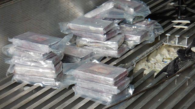 La drogue était dissimulée sous le plancher d'un conteneur de bananes